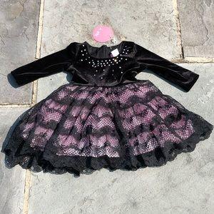 LE PINK**Black Velvet + Lace Dress**18 mo. $98